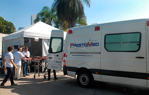 Posto Médico com tenda e UTI Móvel da PrestoMed no evento Travessia dos Fortes