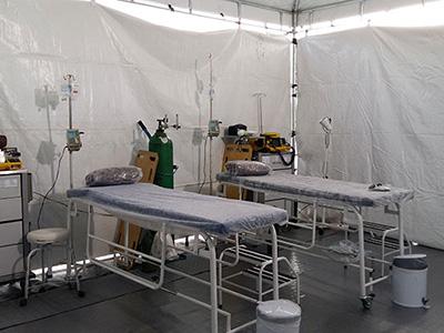 Vista interna do posto médico montado pela PrestoMed