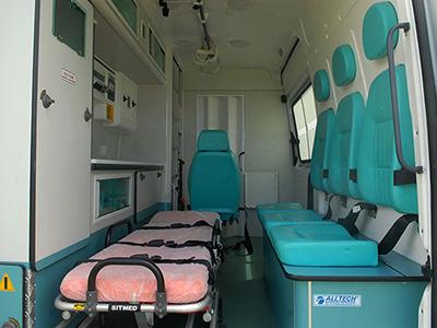 Serviços de Remoções - Vista interna da ambulância